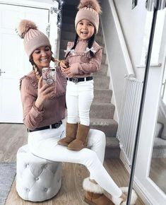 So beautiful 😍😍 Mother Daughter Outfits, Mommy And Me Outfits, Kids Outfits Girls, Toddler Girl Outfits, Cute Toddler Girl Clothes, Modern Baby Clothes, Designer Baby Clothes, Mama Baby, Outfits Niños