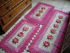 Crochet table runner free pattern squares ideas for 2020 Quick Crochet Blanket, Crochet Squares Afghan, Crochet Blanket Patterns, Granny Squares, Crochet Doilies, Crochet Yarn, Free Crochet, Crochet Coaster Pattern, Crochet Table Runner