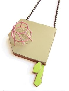 Karen Vanmol, Cultivate 2, 2014, necklace, wood, laminate, plastic, vintage beads, brass, spray-paint, 450 x 85 x 40 mm, photo: artist