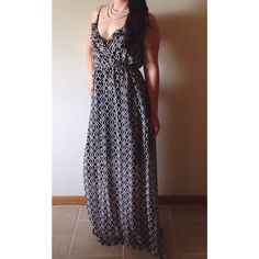 print maxi dress NWT. Black/white. V-neck with ruffled trim. Sleeveless. Adjustable straps. Chiffon structure. Printed construction. Maxi silhouette. Partially lined. 100% polyester. ❌No Trades   No Holds   No PayPal❌ Soprano Dresses Maxi