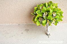 Want this w a couple star gazer Lillies or fuchsia lillies Green Bouquets, Wedding Stuff, Wedding Flowers, Orchid Bouquet, Cymbidium Orchids, Orchidaceae, Stargazing, Evergreen, Flower Arrangements