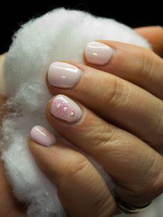 Töihin soveltuvat kynnet, näillä nousee nuppineulakin pöydältä ;) Helmikuu 2014 Nails, Beauty, Finger Nails, Ongles, Nail, Beauty Illustration, Manicures