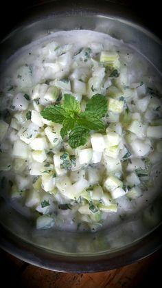 Hierbabuena not only for mojito #freshsalad. Ensalada yogurt/pepino/hierbabuena #tungasuk