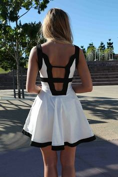 Black and white cut-out back summer dress