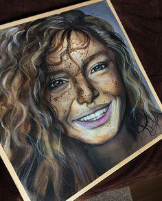 Девушка с веснушками, нарисованная маслом