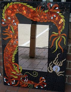 mosaic mirror dragon 1 Mirror Mosaic, Mosaic Diy, Mosaic Crafts, Mosaic Projects, Mosaic Glass, Mosaic Tiles, Stained Glass, Mosaic Animals, Mosaic Madness