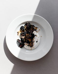 Coconut Yoghurt with Blackberries, Cocoa Nibs and Bee Pollen