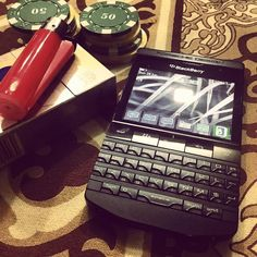 #inst10 #ReGram @confidenceswe: Blackberry Porsche Design P9981 #blackberry #blackberryporsche #blackberryporschedesign #P9981 @ashishh21: #bbfreak #bbaddict #bbmaddict #chips #cards #sunday #supersunday #athome #brothers #chilledoutevening #delhi #BlackBerryClubs #BlackBerryPhotos #BBer