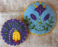 anthemsweet: More felt brooches
