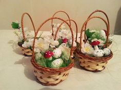 Sweet colorful easter baskets, guest'gifts, table decoration, holiday decor, gift, easter gift, decorated basket, easter eggs, baskets,decor