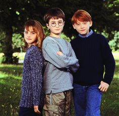 Emma watson 2000 harry potter cast announcement photoshoot h Harry Potter Tumblr, Harry Potter Hermione, Blaise Harry Potter, Memes Do Harry Potter, Mundo Harry Potter, Theme Harry Potter, Harry Potter Pictures, Harry Potter Love, Harry Potter Characters