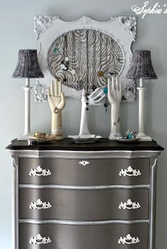 Love love this Color: Coco, Annie Sloan Chalk Paint. Beautifully redone dresser from Sophia's. Annie Sloan Furniture, Chalk Paint Furniture, Furniture Projects, Diy Furniture, Bedroom Furniture, Furniture Design, Furniture Stores, Glazing Furniture, Bedroom Decor