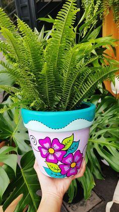 Flower Pot Art, Flower Pot Design, Clay Flower Pots, Flower Pot Crafts, Clay Pot Crafts, Tree Crafts, Painted Plant Pots, Painted Flower Pots, Flower Shop Decor