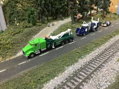 Trainworx Custom Big Rigs  Kenworth T800 Heavy Wrecker & W900A Canadian log hauler