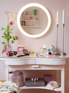 The STORJORM mirror with integrated LED lighting provides an even, diffused light that is helpful when doing facial treatments or applying makeup in the morning.