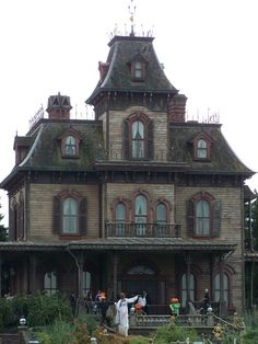 haunted mansion | Haunted Mansion - Photo by William L | Viator
