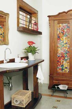 Lavabo com armário colorido: