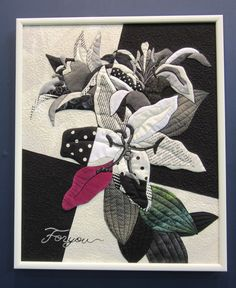 Casablanca Lily by Keiko Morita. Framed quilt at the 2016 Tokyo International Great Quilt Festival.  Photo by Queenie Patch.