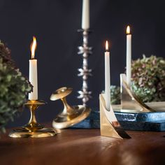 Let's face it, candles are the perfect accessories for lending some seriously cozy holiday vibes. This year Stayman and Wave are at the top of our list. They're just two from our big collection of ready-to-ship, giftable objects made in Brooklyn by @remainslighting