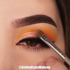 eye makeup videos tutorial for beginners natural Prom Eye Makeup, Bridal Eye Makeup, Eye Makeup Steps, Eye Makeup Art, Colorful Eye Makeup, Smokey Eye Makeup, Simple Makeup, Eyeshadow Makeup, Natural Makeup