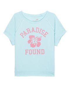 Kurzarm-Fleece-Sweater mit Print Loungewear zum Liebhaben und Wohlfühlen - das ist das deutsche Label JUVIA!  Locker geschnittener türkisfarbener Kurzarm-Sweater aus sehr kuscheligem Fleece mit Rundhalsausschnitt, offenem Saum, Raglan-Ärmeln und pink-korallfarbenem Paradise-Print.  Ein toller Colour-Flash für den kommenden Sommer!
