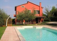 vakantiehuis met zwembad in Vaiano, Umbrië