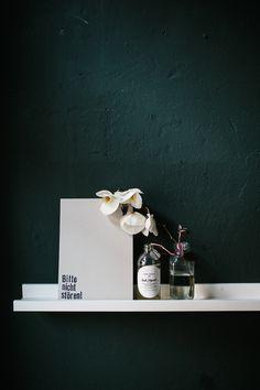 Studio BlinkBlink - white and dark green