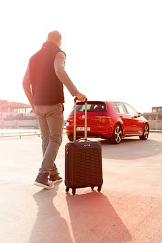 Whenever you feel like getting away or need to go somewhere - do it in style with the GTI trolley case from the latest Volkswagen Lifestyle Collection. It features a honeycomb-structure, a GTI logo on the front and the classic GTI red lines on the inside of the case. With a volume of 33 l and its compact measurements - 55 x 37 x 20 cm - you're always good to go! (Shipping within Germany, international purchase via Volkswagen dealership.)