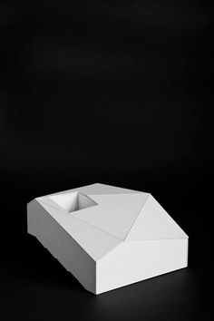 http://pinterest.com/ajoia/architecture-creation/   Emilio Marin Architects Snow House, Farellones, Chile, 2009