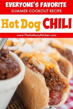 This hot dog chili is the perfect addition to your summer cookout! A quick-fix hot dog sauce recipe featuring ground beef, ketchup and the perfect mix of spices will have your guests raving! A must-have hot dog recipe for this of July! Sauce Recipes, Beef Recipes, Cooking Recipes, Chili Dog Recipes, Hotdog Sauce Recipe, Coney Island Hot Dog Sauce Recipe, Cooking Chili, Cooking Turkey, Potato Recipes