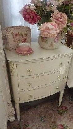 Shabby Chic They may call it Shabby Chic, but this old hippie likes it!