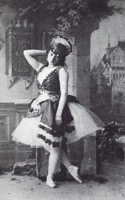 Photo of the Italian ballerina Virginia Zucchi in the ballet La Esmeralda Vintage Ballerina, Vintage Dance, Ballet Photography, Vintage Photography, Famous Ballet Dancers, Ballet Poses, Ballet Art, Dance Ballet, Original Fairy Tales