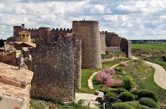 Conoce con Destino Castilla y León 10 ciudades y pueblos amurallados de nuestra región, aunque hay muchos más deseando que los conozcas. Te vienes de viaje?
