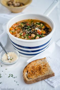 Ribollita – Hearty Tuscan Vegetable Soup and a giveaway | supergolden bakes