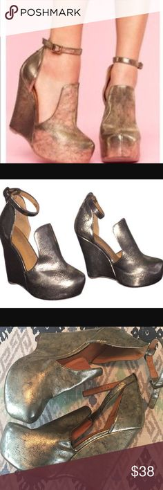 0c7bd7eb4e8 Jeffrey Campbell Thelma shoes in Gold 7 Just look. Super playful
