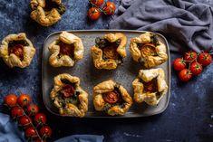 Spenótos puffancsok 12db Falafel, Bruschetta, Granola, Baked Potato, Potatoes, Vegan, Baking, Ethnic Recipes, Food