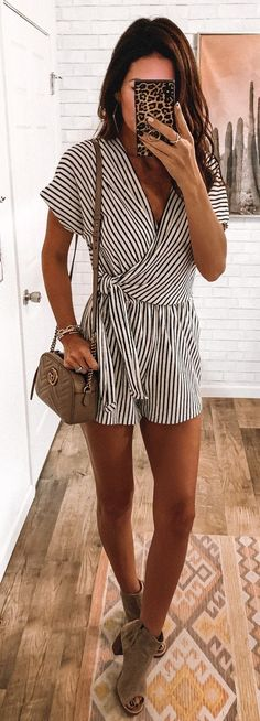 25 Preppy Spring Outfits To Inspire You Black and White Striped Romper It might not feel like spring is officially in the air but its technically here And with warmer da. Trendy Summer Outfits, Spring Outfits, Cute Outfits, Spring Dresses, Spring Clothes, Winter Outfits, Summer Clothing, Cute Summer Clothes, Preppy Clothes