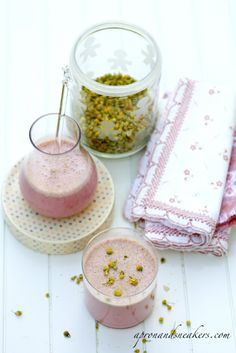 www.apronandsneakers.com/2012/03/chamomile-strawberry-qui...   Great Smoothie Recipes