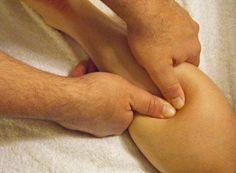 Le massage Suédois, conçu par Henri Peter Ling, physiologiste à l'université de Stockholm, a été révélé au public en 1812 comme un moyen d'augmenter la circulation sanguine, de soulager le stress et la douleur musculaire, accroître la flexibilité et favoriser une relaxation totale du corps et de l'esprit.