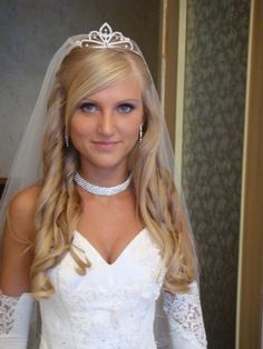 hairstyles with tiaras 30 Tremendous Bridal Hairstyles For Long Hair