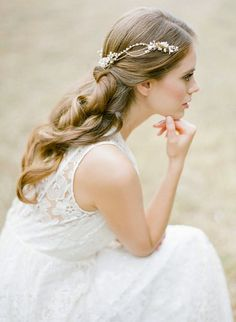 JOLIE Gold bohemian bridal headpiece with pearls от percyhandmade