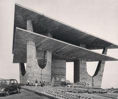 Oscar Niemayer torre de television Brasilia, 1967