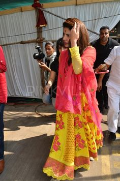 Priyanka attends Anurag Basu's Saraswati pooja | PINKVILLA