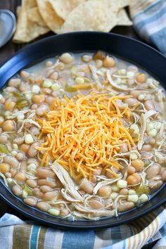 This is the BEST EVER White Chicken Chili recipe! It's my very favorite white chicken chili recipe. It's super easy and everyone loves it! Simple, easy and delicious! Definitely a family pleasing dinner recipe! Chili Recipes, Mexican Food Recipes, Soup Recipes, Chicken Recipes, Dinner Recipes, Dinner Entrees, Free Recipes, Dinner Ideas
