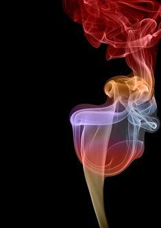 """Humo"" by Silvina Vladimirsky. Figures in smoke."
