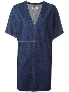Shop Maison Margiela v-neck denim dress. V Neck Dress, Shirt Dress, Estilo Jeans, Blue Denim Dress, Necklines For Dresses, Denim Fashion, Blue Dresses, Ideias Fashion, Short Sleeve Dresses