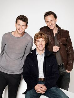 War Horse photoshoot with Jeremy Irvine, Benedict Cumberbatch and Tom Hiddleston   repimg:  Irvi...