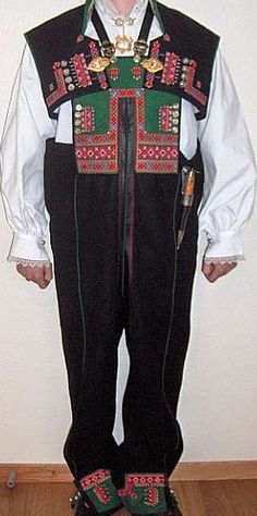 Setesdalsbunaden10 - Setesdalsbunad - Wikipedia Folk Costume, Costumes, Traditional Outfits, Norway, Pajama Pants, Culture, Boys, Ethnic, How To Wear