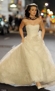 B's wedding dress for the Prince. A lovely fairytale wedding Blair Waldorf