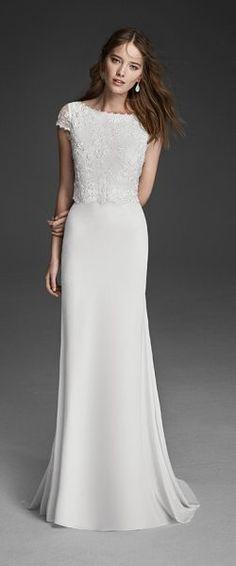 gefunden bei Happy Brautmoden Brautkleid elegant, elegantes Brautkleid, Alma Novia, Spitze, Spitzenkleid, edel, elegant, fließend, Rückenausschnitt, Hochzeitskleid